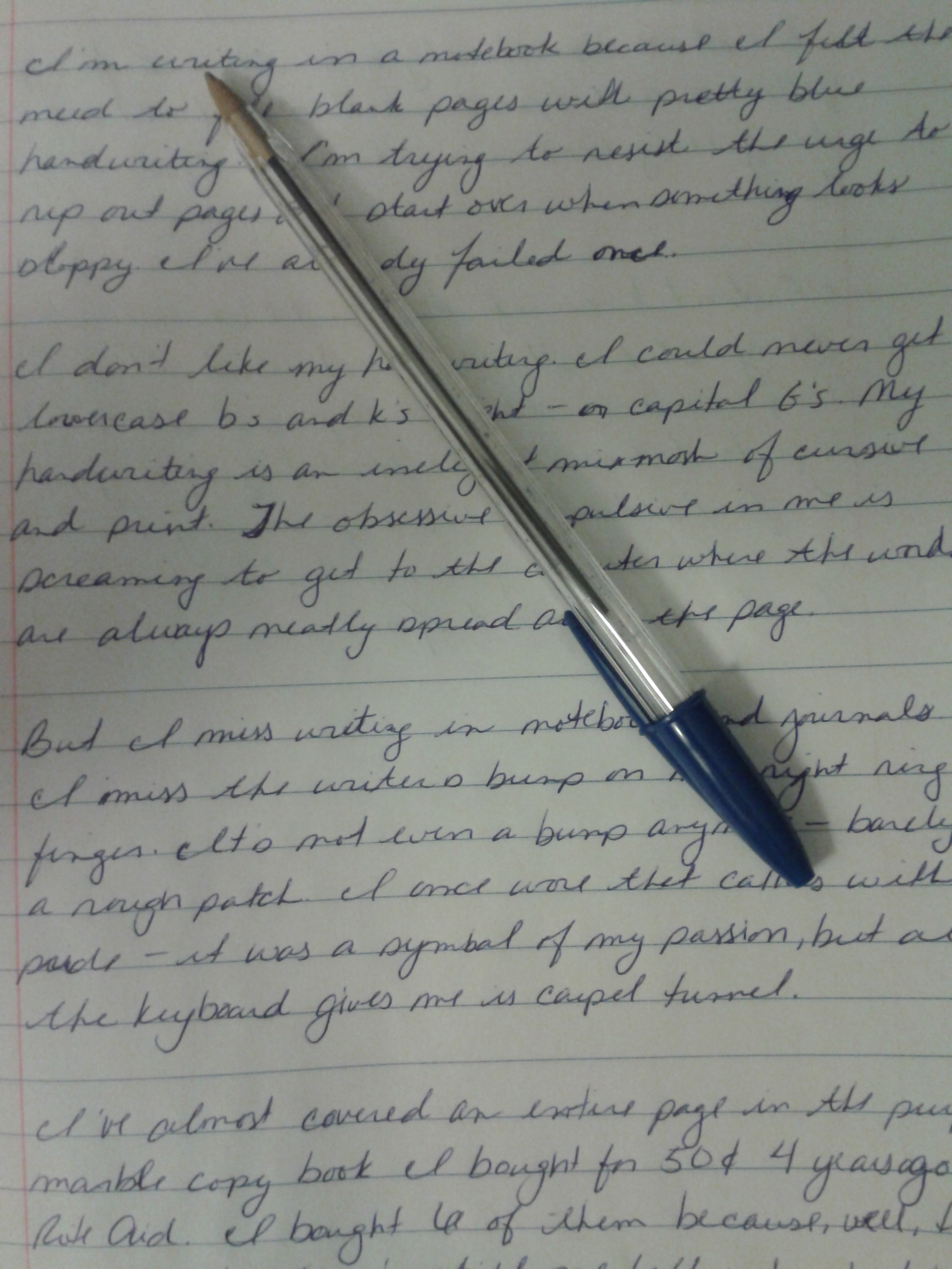 writing callus One very common and relatively innocent bump that occurs near the finger joint  is the callus that can develop from holding a writing implement.